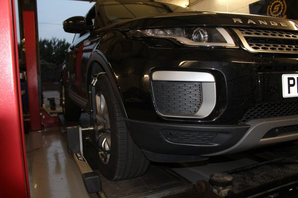 Range Rover Approved Repairs in Essex